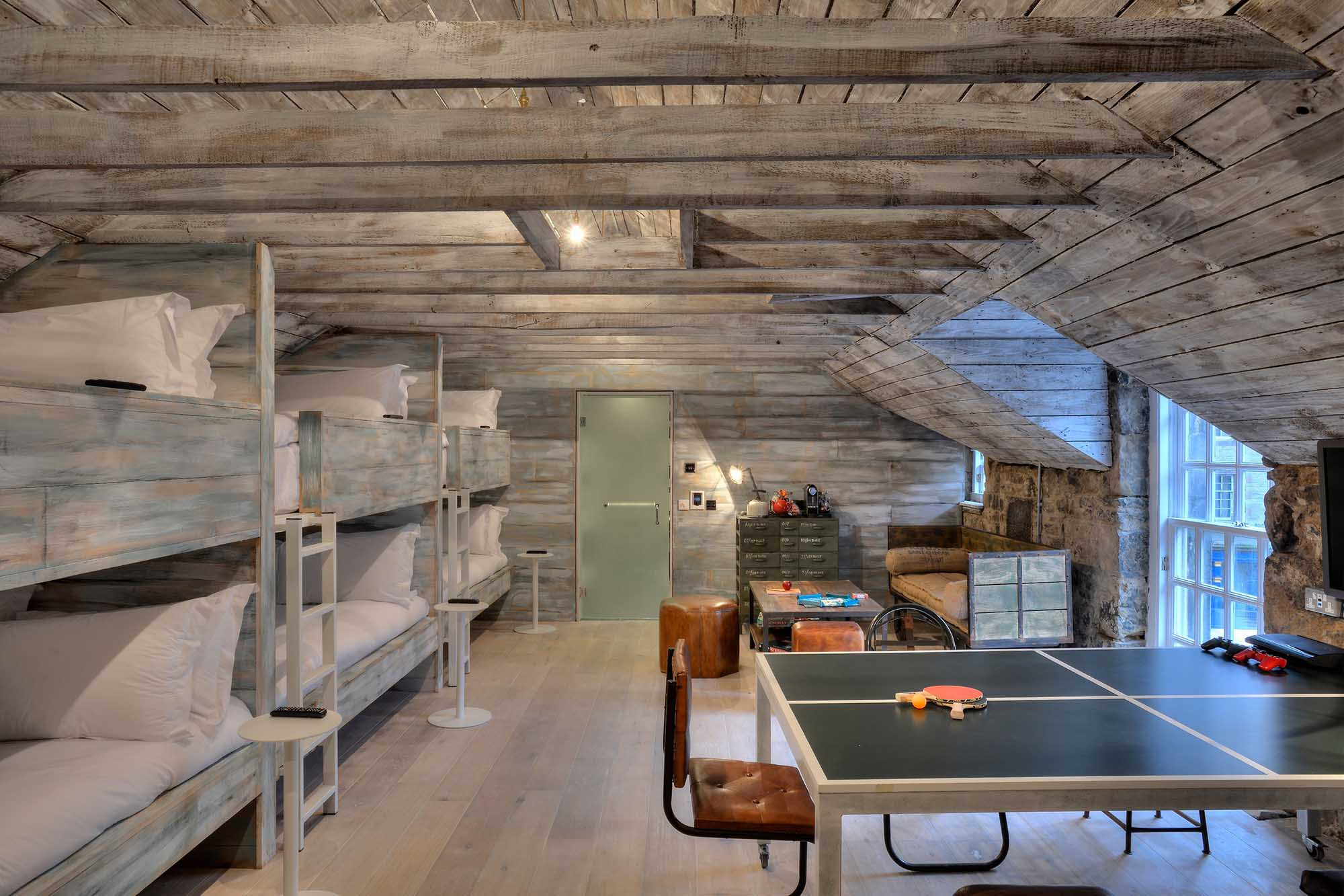 THE ultimate party room - The Private Dorm